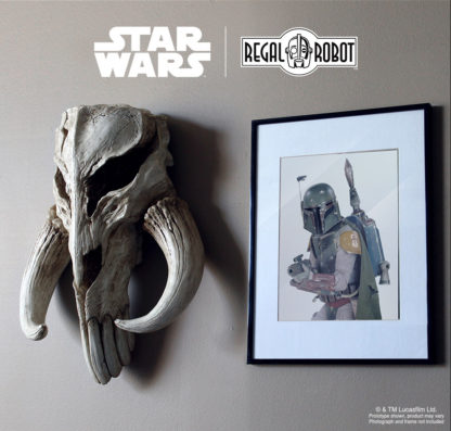 Mythosaur or Mandalorian skull wall art