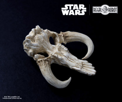miniature sculpture of a original star wars creature