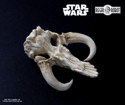 miniature sculpture of a original star wars creature