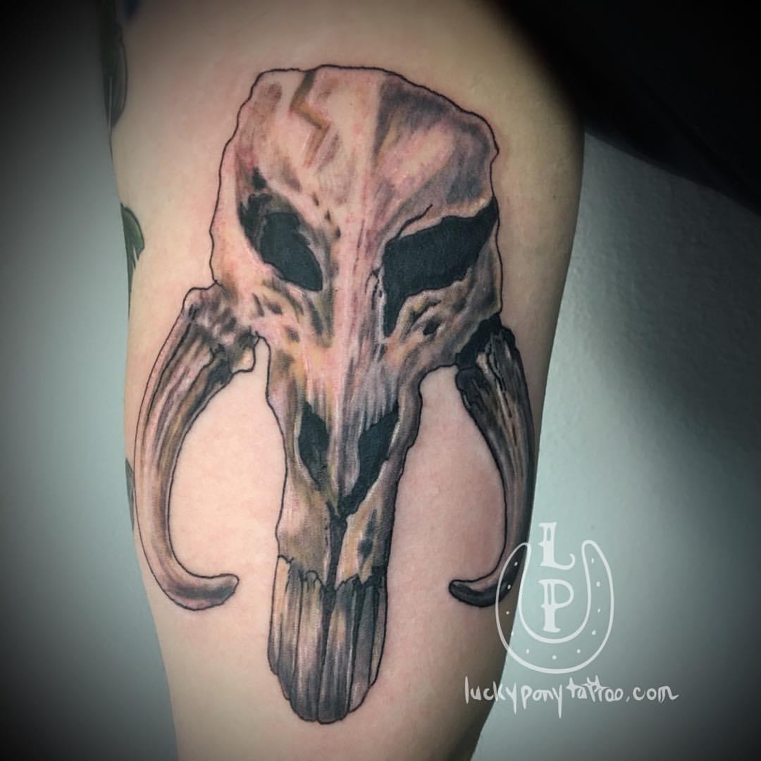 Star Wars mandalorian skull art piece