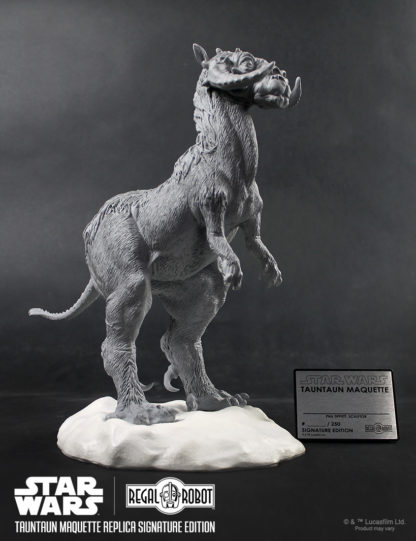Phil Tippett Signature edition tauntaun replica by Regal Robot