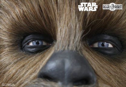 Peter Mayhew Chewbacca's blue eyes