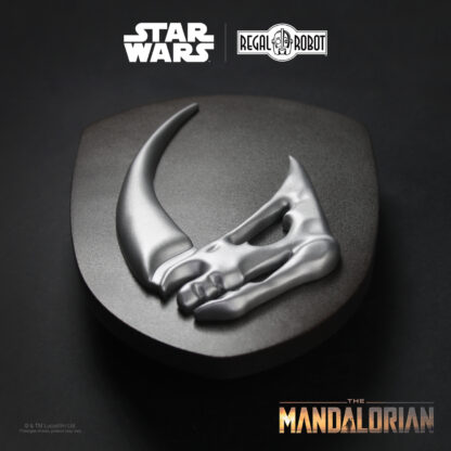 The mudhorn symbol from The Mandalorian's armor