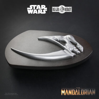 Din Djarin's signet - the Mudhorn as a new Star Wars decor piece for your home!