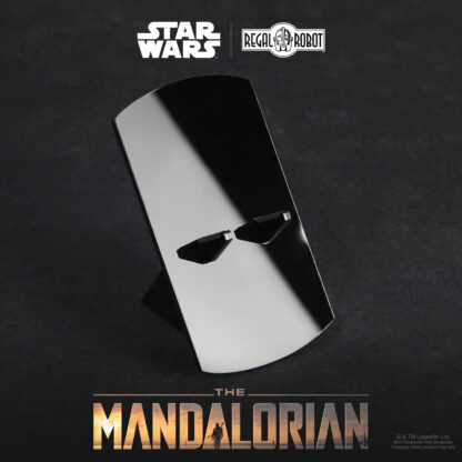 Regal robot mandalorian sculpture display stand