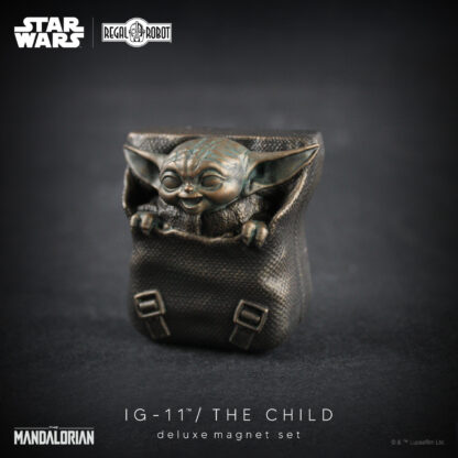 The Mandalorian Baby Yoda aka the Child magnet from Regal Robot