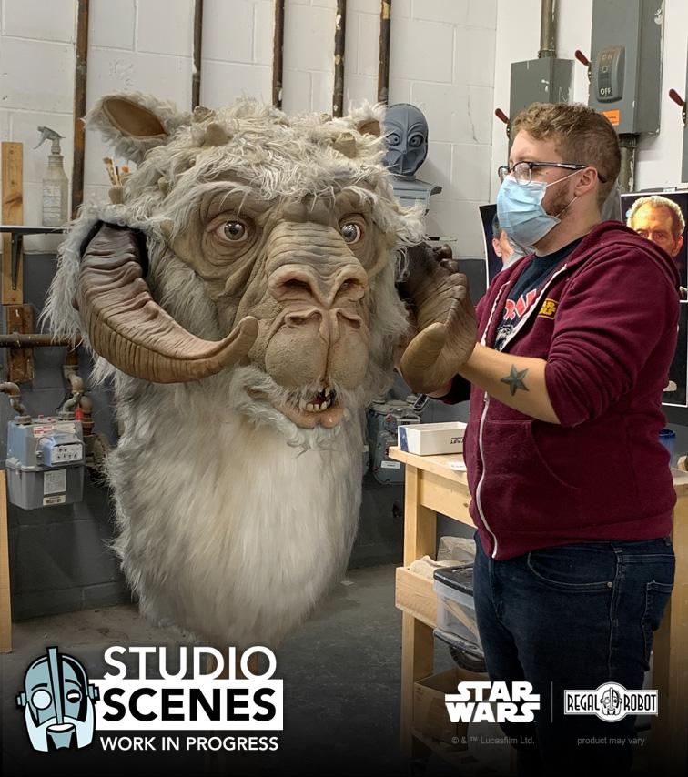 Custom Empire Strikes Back 1:1 tauntaun bust by Regal Robot